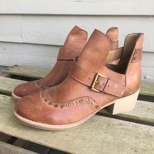 VON DUTCH Swirl Studded Cutout Ankle Boot 7.5 NEW